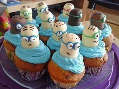 Minion cupcakes - Food: Kuchen/Cupcakes/Muffins/Sweets - For Life Food Minion Cupcakes Recipe, Cupcake Minions, Cupcake Recipes, Minion Party, Minion Cakes, Lemon Cupcakes, Mini Cupcakes, Cupcake Cakes, Strawberry Cupcakes