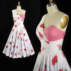 ♦ Vintage Garden Party Sundress by Miss Elliette California. ♦ Constructed in a Soft White Cotton Fabric with Large Pink and Red floral Vintage Party Dresses, Vintage Outfits, 1950s Fashion, Vintage Fashion, Modern Fashion, Rose Clothing, 1950s Outfits, Full Circle Skirts, Fashion History
