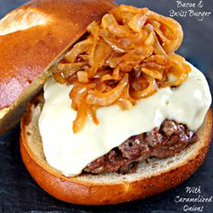 Crunch, Creaminess and sweetness hidden between beautiful buns...would that not make a perfect burger!!!