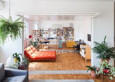Architects Claudia Bresciani and Júlia Risi reconfigured the Oscar Freire apartment to create a more light and open space suited to both living and working.