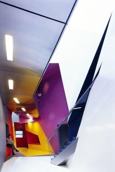 Renk kullanımı !!! > Birkbeck Centre for film and visual media