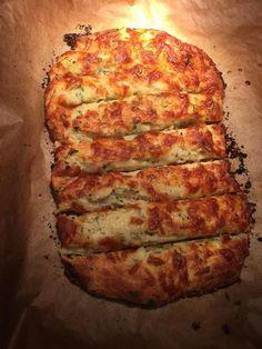 Keto Cheesy Garlic Bread - KetoDietForHealth