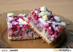 Celozrnný vláčný dvoubarevný koláč s ovocem a drobenkou recept - TopRecepty.cz