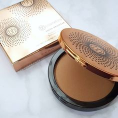 So glad I decided to pick up this bronzer by BH Cosmetics. The powder is so smooth and finely-milled that it applies and blends so easily. At first I was worried that it would be too glowy, but it actually just gives a natural sheen that makes you look healthy. For the quality and price, this is such an excellent find  #bhcosmetics via @ravesxrants