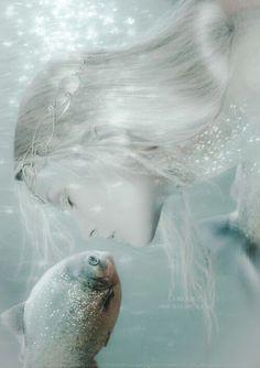 Mermaids & the sea Mermaid Song, Mermaid Kisses, Mermaid Tale, Fairy Land, Fairy Tales, Jade Eyes, Dream Fantasy, Real Mermaids, Sea Fish