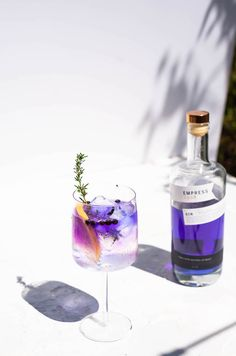 Tonic Cocktails, Beste Cocktails, Gin Cocktail Recipes, Mojito Cocktail, Cocktail Ideas, Spanish Gin, Spanish Style, Alcoholic Drinks, Recipes