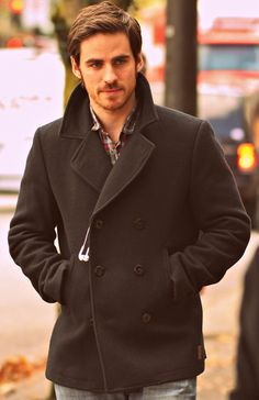 Captain hook (once upon a time) really is so very sexy!!