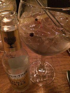 #20/11: heerlijke gin tonic met blauwe bessen en peper@Teus in de Vinex