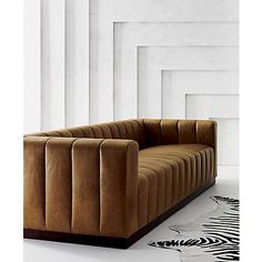 Tips That Help You Get The Best Leather Sofa Deal. Leather sofas and leather couch sets are available in a diversity of colors and styles. A leather couch is the ideal way to improve a space's design and th Sofa Furniture, Pallet Furniture, Luxury Furniture, Furniture Design, Furniture Market, Outdoor Furniture, Fine Furniture, Rustic Furniture, Antique Furniture