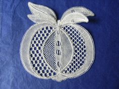 Honiton Lace by Shirley Pavey - - Embroidery Techniques, Embroidery Stitches, Bobbin Lacemaking, Lace Art, Needle Lace, Lace Making, Lace Design, Crochet Hooks, Origami