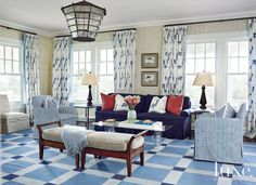 Traditional Living Room - Luxe Interiors + Design