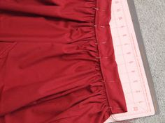 My aunt needed a couple of trek skirts for the stake youth conference coming up, but they were for unspecified young women. Blouse Tutorial, Skirt Tutorial, Pioneer Trek, Pioneer Woman, Pioneer Costume, Pioneer Clothing, Dirndl Skirt, Sewing School, Sewing Clothes