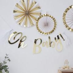 Gold Oh Baby Bunting, Baby Shower Decoration, Baby Shower Bunting, Baby Shower Banner, Gold Baby Ban Baby Shower Garcon, Décoration Baby Shower, Baby Shower Party Favors, Gold Baby Showers, Baby Party, Baby Shower Parties, Baby Shower Decorations, Bridal Shower, Baby Bash