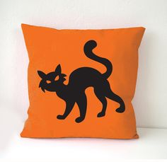 Halloween Pillow Cover cat pillow cover Black por MATTlovehandmade