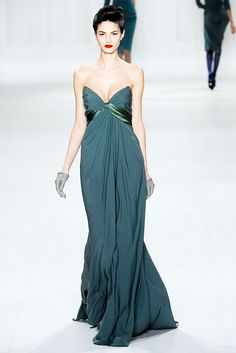 Elie Saab Fall 2009 Ready-to-Wear Fashion Show - Danijela Dimitrovska