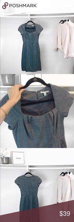 "BANANA REPUBLIC gray sheath dress sz 4 Excellent condition, worn once BANANA REPUBLIC gray sheath dress sz 4. 2 front pockets, lined, scoop neckline. Back zipper. Bust: 16.5"", waist: 14"", length from shoulders:39.5"". It has belt threads at waist for belt. Belt is not included. Banana Republic Dresses Midi"