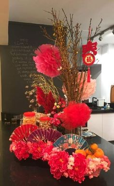 Chinese New year Party Ideas Adults - New Years Party Chinese Wedding Decor, Chinese New Year Decorations, New Years Decorations, Chinese Theme Parties, Chinese New Year Party, Chinese New Year Flower, Chinese New Year Design, Diy Party Table Decorations, Decoration Party