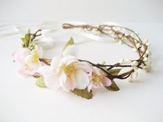 Cherry blossom flower crown Rustic wedding hair por NoonOnTheMoon