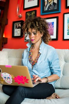 We interviewed Cyndie Spiegel, speaker, business coach, and the founder of The Collective Of Us about her morning routine and work life balance.