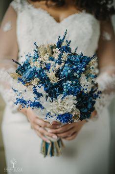 #ramosdenovia #fabianluque #complementosnovias #fotografosdeboda #fotografosdecordoba Photoshop, Crown, Simple Style, Photo Style, Wedding Bouquets, Boyfriends, Corona, Crowns