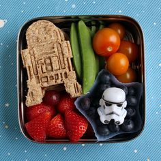 Preschool Star Wars ECO Lunchbox Bento #476 (great site with tips and awesome bento style lunches for kids)