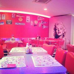 #americagraffiti #rimini #ig #igersrimini #foodgasm #Marilyn #design #dinner #instacool #instagood #fun #picofthenight by helloketty89