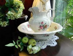 Vintage Large Pitcher Jug and Bowl Wash Basin Maryleigh Pottery 4764