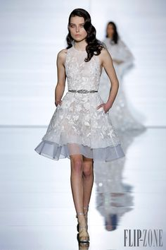 Zuhair Murad Official pictures, Spring-summer 2015 - Couture - http://www.flip-zone.com/fashion/couture-1/fashion-houses/zuhair-murad-5329