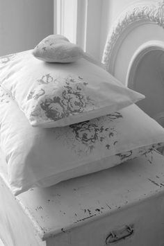 Just plain pillows, nice and simple!