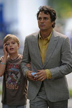 Mark Ruffalo & son. Look at his son's shirt