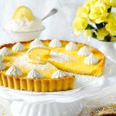 En citronpaj med frasig pajbotten och en frisk och krämig citronfyllning gör alltid succé Swedish Recipes, Sweet Recipes, Cake Recipes, Dessert Recipes, Desserts, Apple Crisp Cheesecake, Tumblr Food, Tartelette, Pie Cake