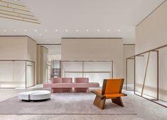 Icicle Concept Store Shanghai by Andrea Tognon Boutique Interior, Minimalist Interior, Modern Minimalist, Architectural Digest, Moët Chandon, Luxury Store, Retail Store Design, Store Interiors, Retail Interior