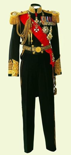 King George VI's Full Dress Uniform of Admiral of the Fleet ~ 1937 British Uniforms, Navy Uniforms, Royal Fashion, Mens Fashion, Fashion Outfits, Military Dresses, Vintage Military Uniforms, Military Costumes, Historical Clothing