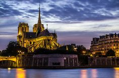 Notre-Dame, night