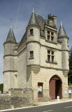 File:Céré-la-Ronde, Château de Montpoupon PM 31747.jpg