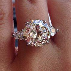 5 carat round brilliant engagement ring