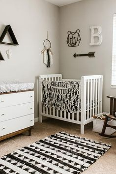 Best Classic Theme Ideas for Baby Room - Home Decor Interior Baby Bedroom, Baby Boy Rooms, Baby Room Decor, Baby Boy Nurseries, Nursery Room, Monochrome Nursery, White Nursery, Nursery Neutral, Baby Room Design