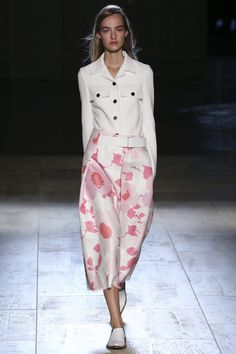 Suzy Menkes Victoria Beckham: Flats and Flowers That Mean Business