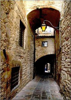 Gubbio by Paolo Magnini