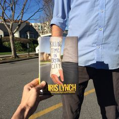 Oh, Those Clever Librarians and Their #Bookface - The New York Times