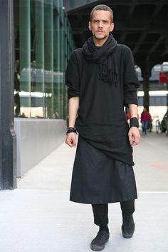 BLACK COMME DES GARÇONS NEW YORK minimalismo + atitude (saia pra homens) Aquário e Åries ♒♈