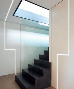 ruban LED encastrable aux murs de design italien via Panzeri, Chelsea