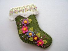 Flowery Felt Stocking Pin