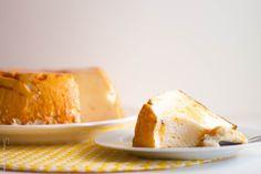 Molotof de Caramelo...com 3 ingredientes apenas! Bread, Homemade, Food, Puddings, Homemade Recipe, Creature Comforts, Tailgate Desserts, Kitchen, Ideas