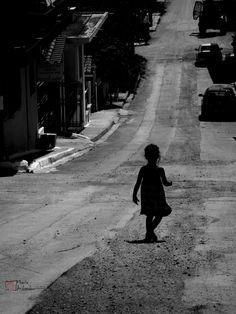 Το Trust me I am a photographer, απευθύνεται σε νέους φωτογράφους, όπως η Μαρία Ανδρεάδου, δίνοντας την ευκαιρία σε ανθρώπους που αγαπούν τη φωτογραφία να προβάλουν τη δουλειά τους.