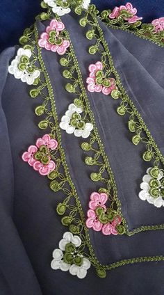 We have compiled free needle lace patterns and samples for every skill level. Browse lots of Free Crochet Patterns and Samples. Easy Beginner Crochet Patterns, Crochet Edging Patterns, Crochet Lace Edging, Hand Embroidery Patterns, Lace Patterns, Crochet Flowers, Crochet Edgings, One Skein Crochet, Puff Stitch Crochet