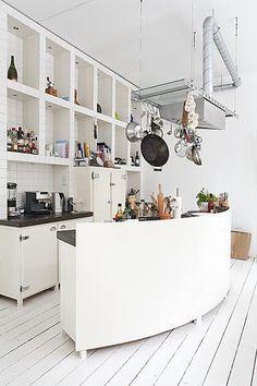 Halbrunde Küche in weiß!