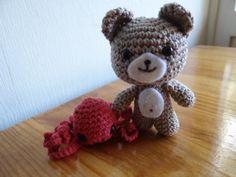 Bear and Octopus - Free Amigurumi Pattern here: http://crochetnanigans.wordpress.com/2013/10/30/release-the-kraken/