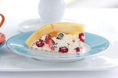 Bagatelle multicolore aux petits fruits -------------------Découvrez les petits fruits de la saison cachés dans ce splendide dessert réfrigéré.