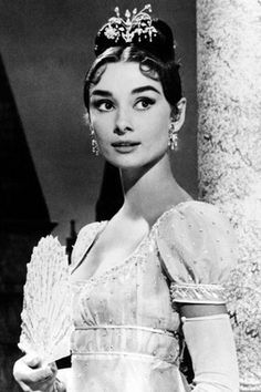 Regency gown - War & Peace And the stunning Audrey Hepburn!Regency gown - War & Peace And the stunning Audrey Hepburn! Hollywood Icons, Vintage Hollywood, Classic Hollywood, Audrey Hepburn Photos, Audrey Hepburn Style, Roman Holiday, My Fair Lady, Classy Women, Classy Lady